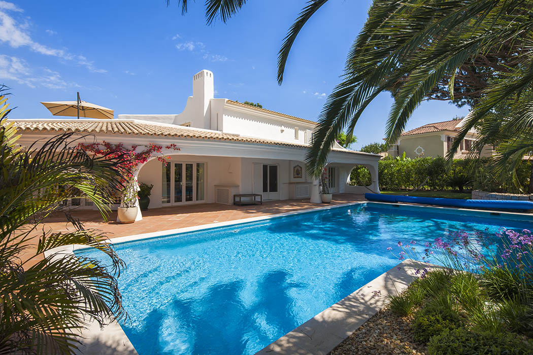Villa To Rent In Quinta Do Lago Overlooking Golf Course