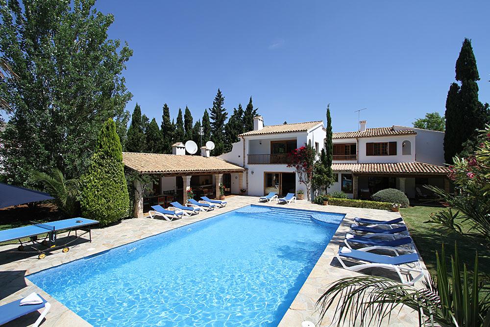 003MV - 7 Bedroom Villa to Rent in Puerto Pollensa ...