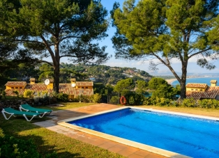 House to Rent in Sa Riera