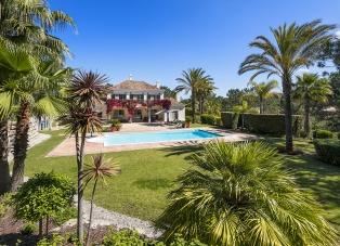 Villa to Rent in Encosta Do Lago, Portugal