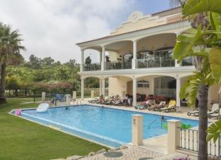 Townhouse to Rent in Vale Dos Pinheiros, Quinta Do Lago