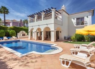 Villa in Quinta do Mar, Algarve, Portugal