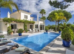 Villa for rent in Vilas Alvas