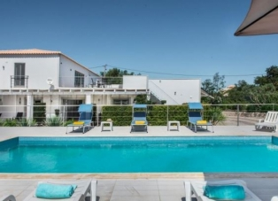 Villa to Rent in Almancil, Algarve