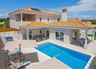 Villas to rent in Varandas do Lago