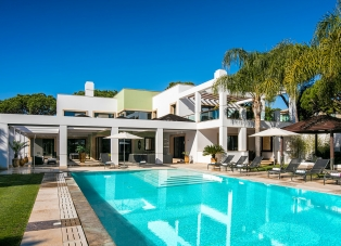 Villa to Rent in Quinta Do Lago, Algarve.