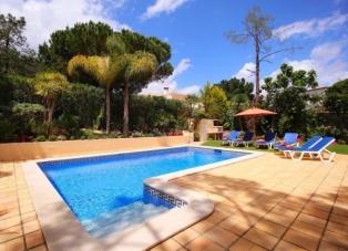 Villa to rent near Vilas Alvas