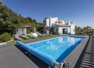 Villa to rent in Santa Barbra de Nexe