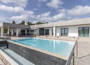 Villa to rent in Almancil
