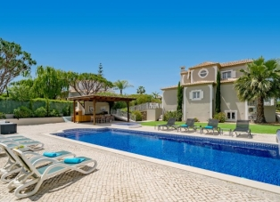 Villa to rent in Fonte Santa
