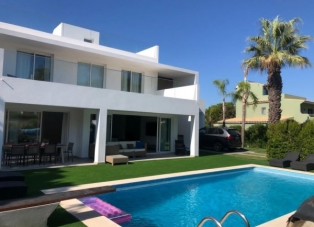 Villa to rent in Ancao