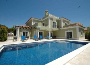 Villa to Rent in Quinta Do Mar, Algarve, Portugal