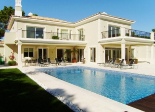 Villa to Rent in Vale Do Lobo, Algarve
