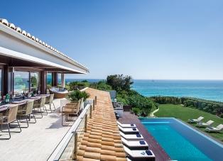 Villa to Rent in Olhos Dagua