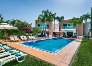 Villa to Rent in Vilamoura, Algarve