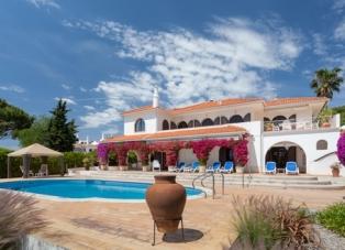 Villa to Rent in Quinta Do Lago, Algarve, Portugal