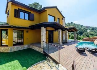 Villa to Rent in Sa Riera, Begur
