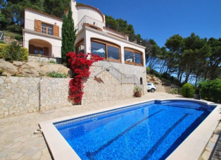 Villa to rent in Sa Tuna, Begur