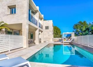 Villa to rent in Cala san Vincente