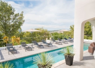 Villa to rent near Sant Jose