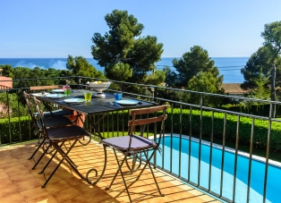 Apartment to Rent in Calella De Palafrugell, Costa Brava, Spain