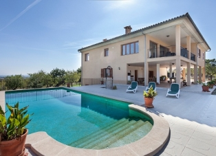 Villa to Rent Near Pollensa, Mallorca