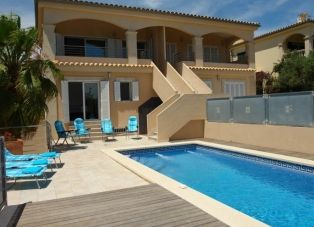 Villa to Rent in Alcudia, Mallorca.