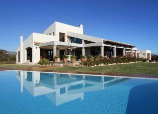 Villa to Rent in Alcudia, Mallorca, Spain