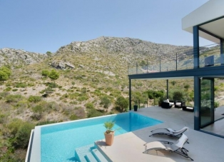 Villa to Rent in Alcudia, Mallorca, Spain