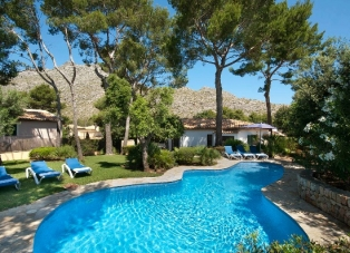 Villa to Rent in Cala San Vincente, Mallorca, Spain