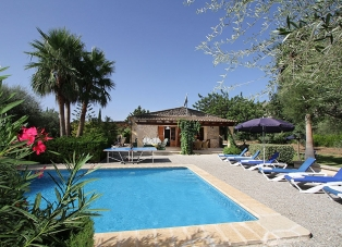 Villa to Rent in Cala San Vincente, Mallorca