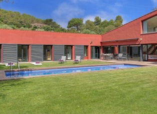 Villa to Rent in Mont Ras, Costa Brava