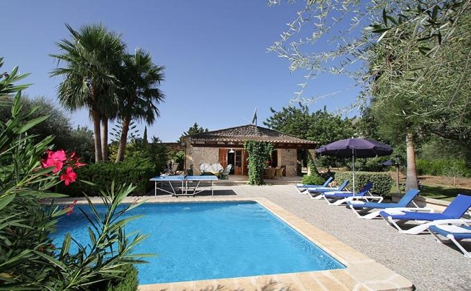 Villa to Rent in Cala San Vincente, Mallorca